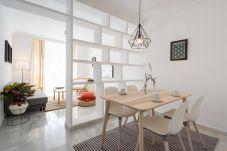 Ferienwohnung in Málaga - Apartment Marmoles Center & Parking