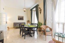 Apartment in Málaga - MalagaSuite Heart Historic Center