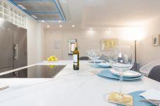 Apartment in Málaga - MalagaSuite Royal Victoria