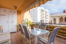 Apartment in Benalmadena - MalagaSuite Puerto Marina & Parking